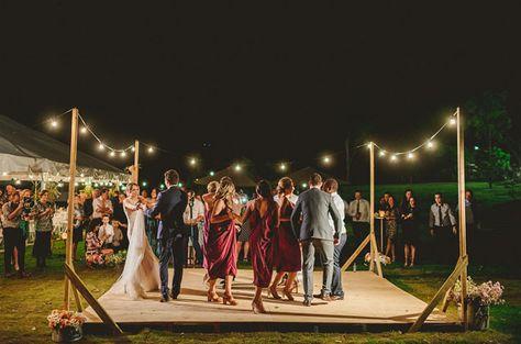 A4446568ef7e6cda3bf323b28a005488 Backyard Wedding Dance